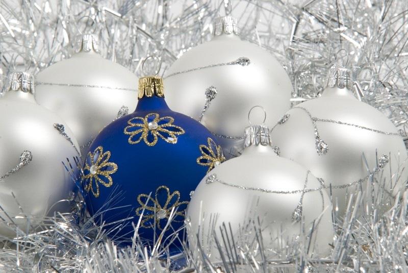 boules de Noël   Mariessourire essence d'émotions